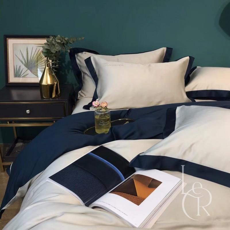 Кобальтово-белый комплект постельного из тенселя с контрастным кантом