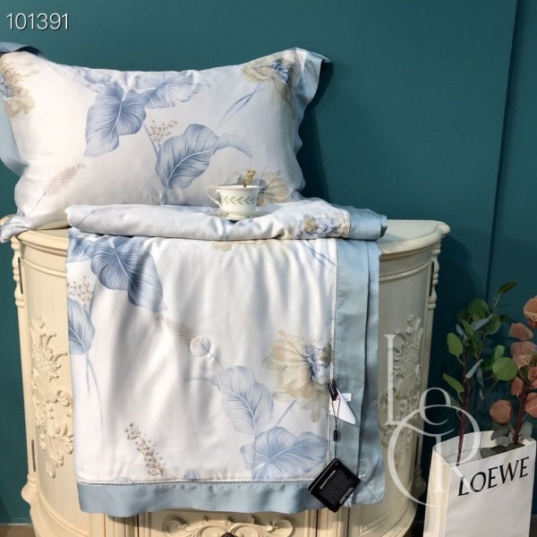 Летнее одеяло Тенсель (Эвкалипт) Бело-голубое с цветами