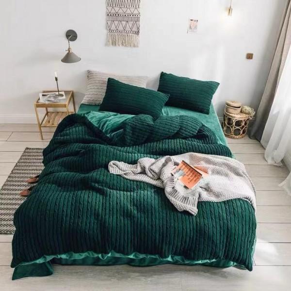 Велюровый зимний комплект Зеленый