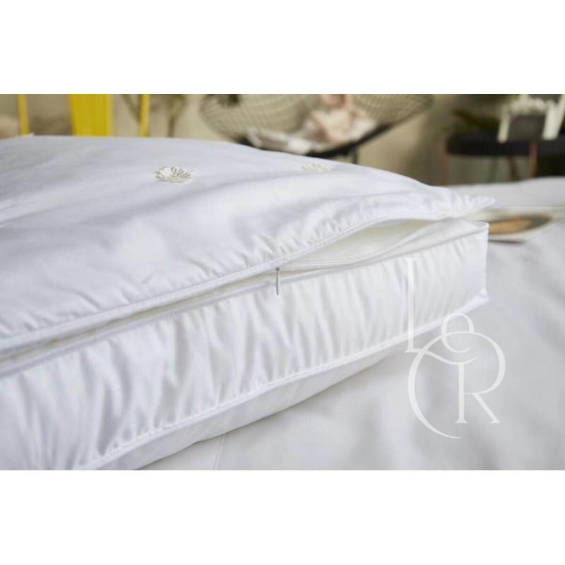 Шёлковая подушка средняя плюс